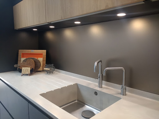 Splashback in Matelac Silver Bronze Satin